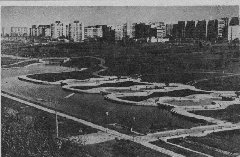 Минск. Декоративные водоемы и фонтаны в микрорайоне Зеленый Луг-5